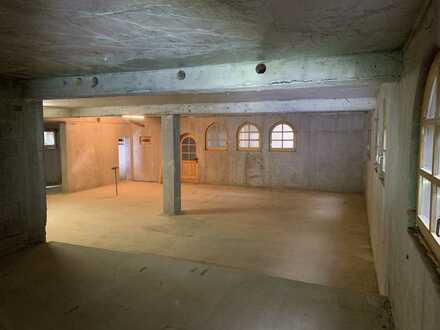 Zentral gelegene Lagerfläche/ Lagerraum direkt am Marktplatz (Keller/UG) im Rohbau