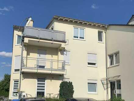möbilierte freundliche 3-Zimmer-Wohnung in Altenstadt mit Außenstellplaz