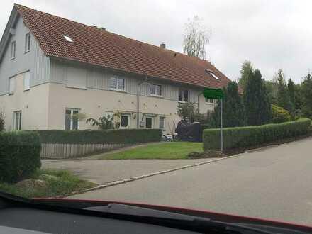 Gepflegtes 5-Zimmer-Reihenhaus mit EBK in Tettnang, Siggenweiler