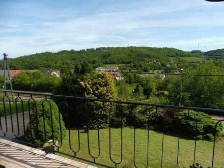 Großer Garten und viel Platz + Das Familienhaus + 2.376 m² Grundstück + 196 m² Wohnfläche