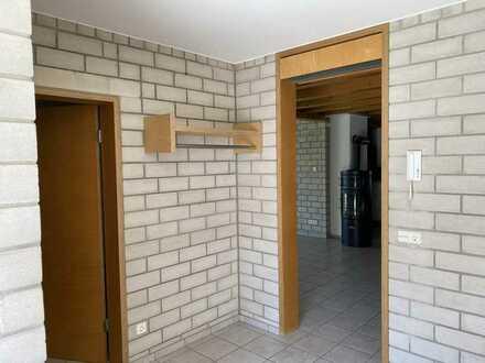 Erdgeschosswohnung mit Garten, 4/5 - Zi., 137 qm, EBK, teilmöbliert