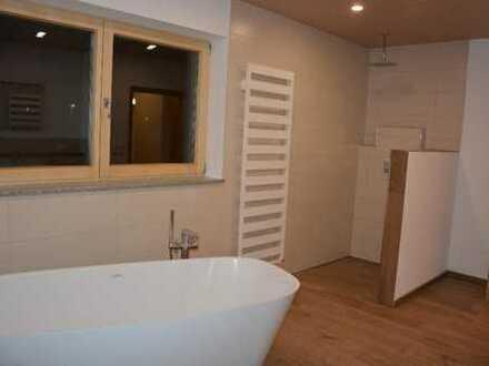 Freundliche, neuwertige 4-Zimmer-Wohnung in Deining