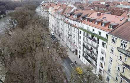 Rarität im Lehel - feines Apartment mit Galerie und Traumausblick - Erstbezug