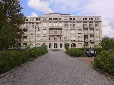 """Wohnung mit """"Frühstücksterrasse"""" - Herz in Pankow"""