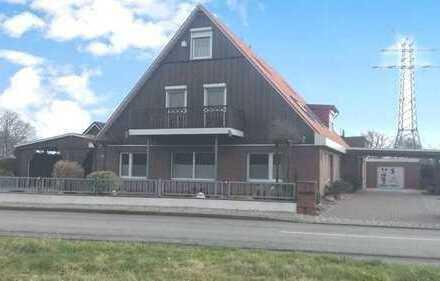 Doppelhaus mit 2 Garagen und Carports in ländlicher Lage Nähe Neustadt
