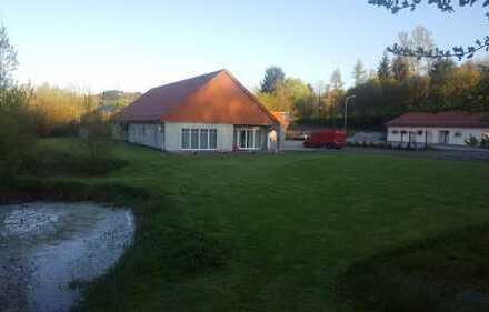 Vielseitig nutzbare Gewerbeimmobilie in verkehrsgünstiger Lage in der Nähe von St. Wendel