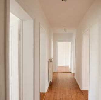 großzügige, sanierte 4 Zimmerwohnung in der Baumschulenstraße