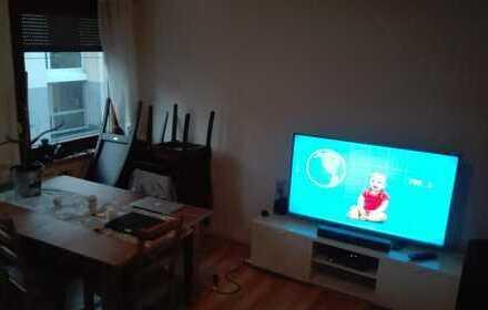 Schönes Zimmer (15 qm) in Stgt. Süd. in großer Wohnung (Wohnzimmermitbenutzung) in 2er WG