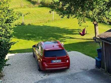 Preiswerte 5-Zimmer-Wohnung mit Balkon und Einbauküche in Laichingen