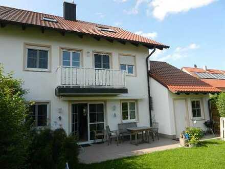 Schöne Doppelhaushälfte mit sechs Zimmern in Erding (Kreis), Oberding