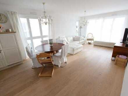 Hochwertige, lichtdurchflutete 4-Zi.-Wohnung in idyllischer, ruhiger Ortsrandlage (provisionsfrei)