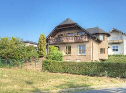 Exclusives Wohnanwesen in schöner und bevorzugter Wohnlage in 57587 Birken-Honigsessen