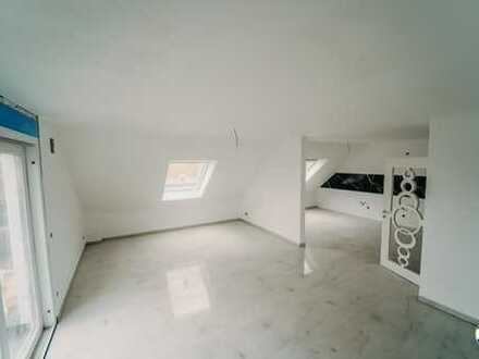 **Luxuriöse Dachgeschosswohnung für Erstbezieher!!**