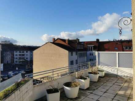 *Gut geschnittene 3-Zimmer Wohnung über den Dächern von Hagen mit Dachterrasse*