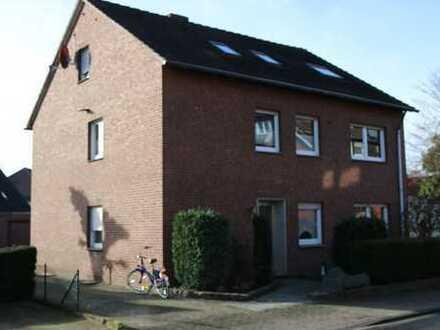 Schönes Zweifamilienhaus mit ausgebautem Spitzboden in Emsdetten