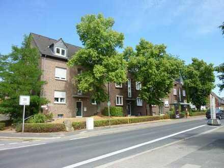 Schöne 3-Zimmer-Dachgeschosswohnung in Moers-Scherpenberg mit Balkon