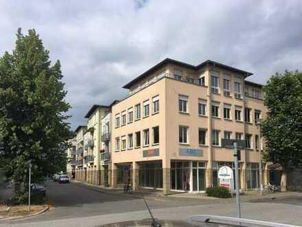 Lichtdurchflutete Dachgeschosswohnung mit Lift und Tiefgarage - zum stilvollen Wohnen und Wohlfühlen