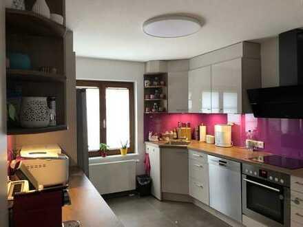 Modernisierte 3-Zimmer-Wohnung mit EBK in Eimeldingen
