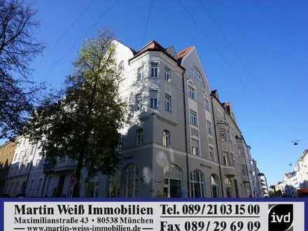 Extravagante 5-Zimmer-Dachgeschosswohnung mit Dachterrasse und 312 m² Fläche