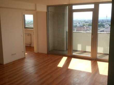 ++4 ZKB++Ausblick++Balkon++ Stellplatz++barrierefrei++komplett renoviert++WG tauglich