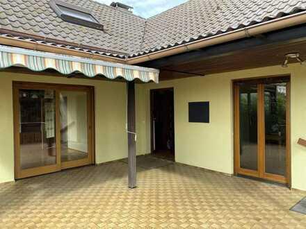 RESERVIERT! 7-Zimmer-EFH mit sonniger Terrasse in Röfingen