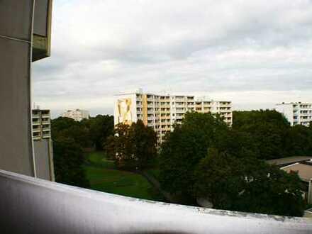 Gut geschnittene 2 Zimmer- Wohnung mit toller Aussicht!