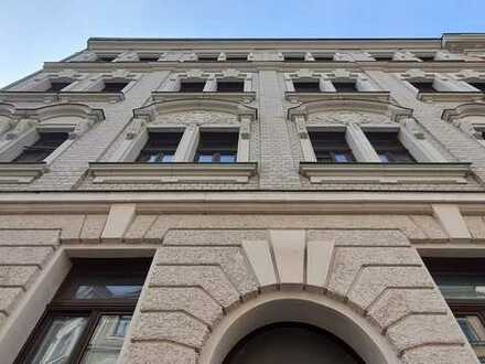 Anlageimmobilie - 2 Zimmer - Altbau - Balkon - Abstellraum - Rendite 2,58 %