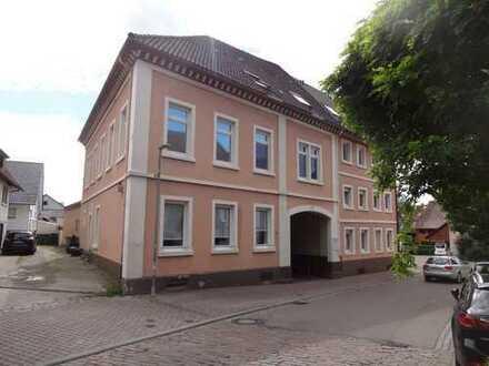 Schöne, helle 6-Zimmer Wohnung mit 115m² in Remchingen-Singen zu vermieten auch GEWERBE geeignet