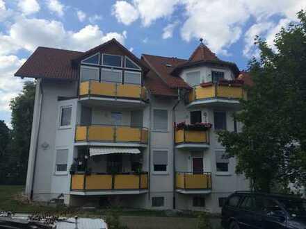 Kapitalanlage !!! 1,5 Zimmer Eigentumswohnung mit Einbauküche, Balkon, Carport