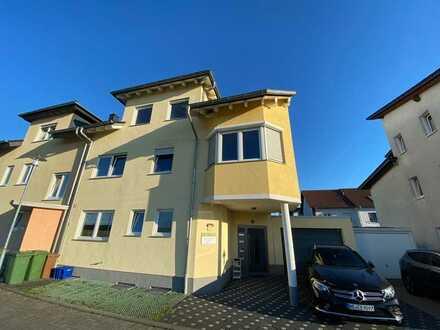 Helle 3- Zimmer Wohnung mit Balkon * für 2 Personen *
