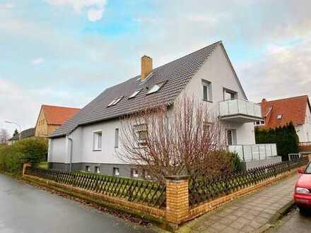 Neuwertig saniert & großzügig geschnitten! 1-2 Familienhaus im beliebten Waggum!