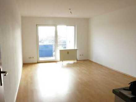 Vollständig renovierte 2-Zimmer-Wohnung mit Balkon und Einbauküche in Weiden, Köln