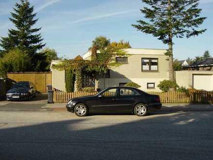 Ansprechendes Einfamilienhaus - Wohnen auf 2 Ebenen
