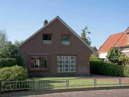 Sehr solides Einfamilienhaus in Oldenburg, Ohmstede, ideal für Familien mit Kindern