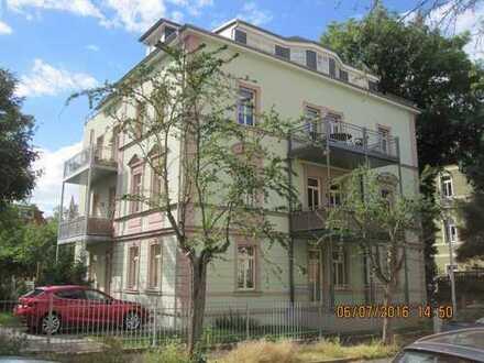 Sonnige charmante 5-Zimmer Wohnung, 2 Balkone, Stellplatz