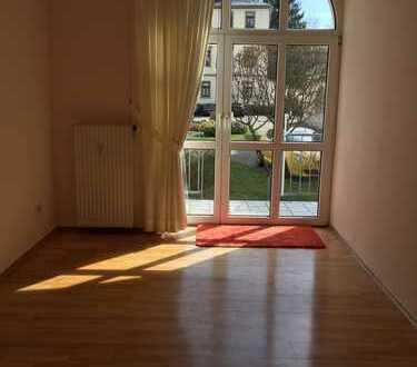 2-Zimmer-Altbau-Wohnung im Zentrum mit Gartenanteil