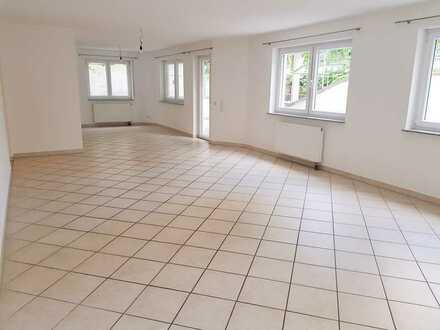Schöne - geräumige 5 Zimmer Wohnung 151qm in Bad Friedrichshall Jagstfeld
