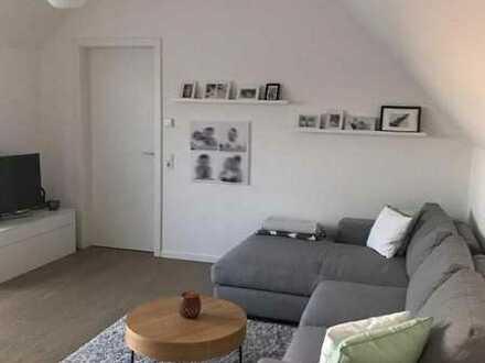 WG-Zimmer in wunderschöner und zentraler Maisonettewohnung mit großem Balkon und 20 Minuten mit ÖPNV