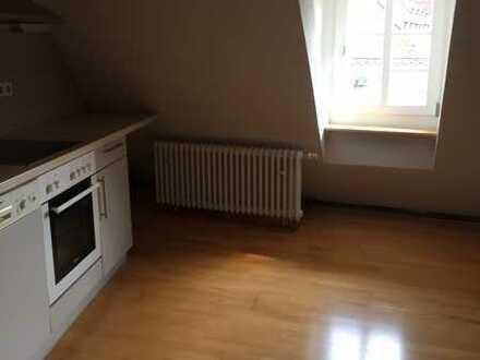 1,5-Zimmer-Wohnung in Tübingen mit EBK