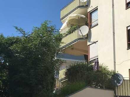 Schöne Wohnung mit einem großen Balkon...