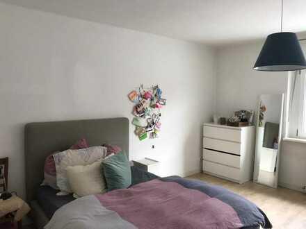 Maxvorstadt - top sanierte 2-Zi.-Wohnung mit Wohnküche und Balkon – WG Zimmer zu vergeben