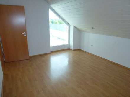 Einfache 2- Zimmer Wohnung ( Dachgeschoss) in Biberach Rindenmoos