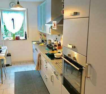 Schöne helle drei Zimmer Wohnung in Ludwigshafen am Rhein, Mundenheim