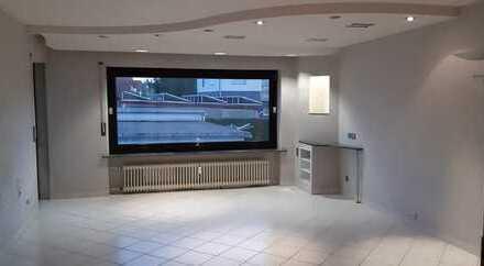 Gepflegte 3-Zimmer-Wohnung mit Balkon und EBK in Wertheim- Nassig
