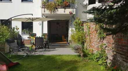 Neuwertige 5-Zimmer-Maisonette-Wohnung mit Garten, Terasse, Balkon und EBK in Raderthal, Köln
