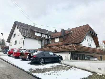 Helle und gut geschnittene 3-Zimmer Wohnung in schöner Wohnanlage mit Balkon - Oberndorf Lindenhof