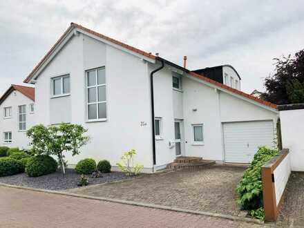 FT-Eppstein - gepflegtes Einfamilienhaus mit Garten und Garage