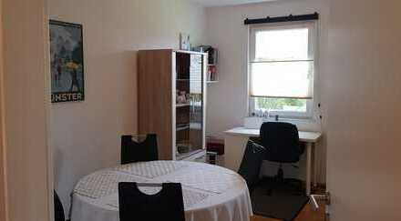 Schöne 2,5-Zimmer-Wohnung mit Balkon und EBK in Münster