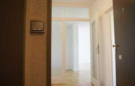 Schöne, geräumige zwei Zimmer Wohnung in Berlin, Charlottenburg, nähe Olympiastadion