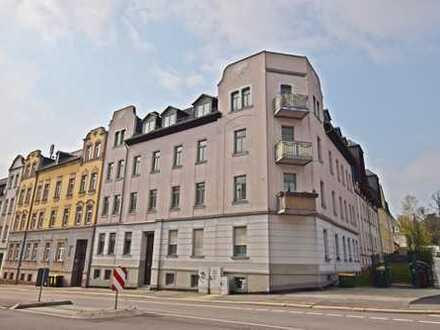 Traumhafte Dachgeschosswohnung im Stadtteil Ebersdorf mit Option auf Einbauküche!